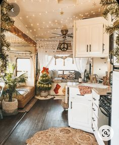 Van Living, Tiny House Living, Small Living, Cozy Living, Living Room, Trailer Decor, Van Home, Remodeled Campers, Shabby Chic Kitchen