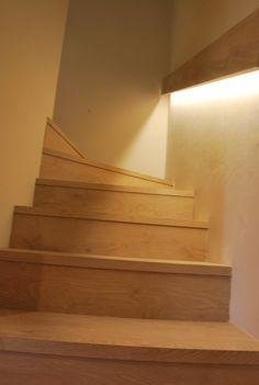 Escala  il·luminació amb detecció de moviment Stairs, Home Decor, Houses, Stairway, Decoration Home, Room Decor, Staircases, Home Interior Design, Ladders