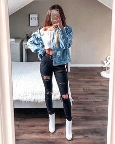 Slika može sadržavati: jedna ili više osoba, ljudi stoje i cipele Teenage Outfits, Cute Outfits For School, Cute Casual Outfits, Teen Fashion Outfits, College Outfits, Outfits For Teens, Tumblr Outfits, Mode Outfits, Vetement Fashion