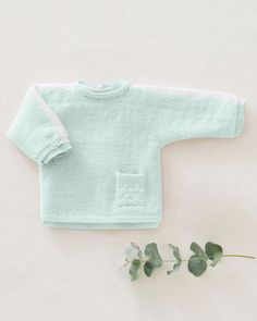 Modèle Brassière Enza Phil Partner Baby Crochet, Pullover, Sweaters, Fashion, Baby Gown, Knits, Paper Pieced Patterns, Crochet Hooks, Moda