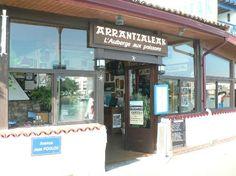 """Arrantzaleak en Ciboure  Un lugar excepcional donde comer """"Toro"""" sopa de pescado- tengo que probarla"""