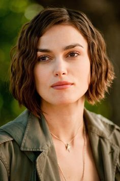 Keira Knightley in 'Seeking a Friend for the End of the World'  Thinking about cutting my hair like hers