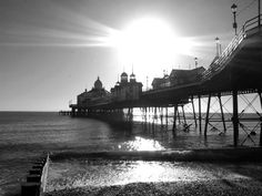 sunny day at eastbourne pier  AMAZING PICTURE!!!!