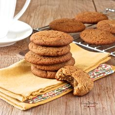 These Paleo Soft and Chewy Ginger Cookies are soft thick chewy and full of fall flavors. They are healthy and delicious free of gluten grains and refined sugars. Chewy Ginger Cookies, Paleo Cookies, Gluten Free Cookies, Gluten Free Desserts, Cookie Recipes, Cookies Soft, Healthy Gingerbread Cookies, Delicious Cookies, Paleo Dessert