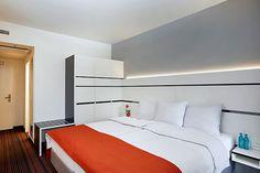 Eines der Hotelzimmer im neuen Ramada Hotel in unmittelbarer Nähe zum Bahnhof