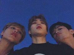 #mark #DongHyuck #jaehyun  Cámara frontal por accidente pero son perfectos Nct 127, Nct Group, Nct Life, Jung Jaehyun, Doja Cat, Jaehyun Nct, Indie Kids, Kpop Aesthetic, Taeyong