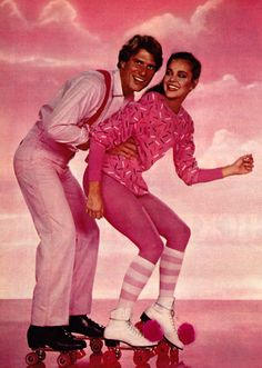 The were a hell of a groovy era where people were more roller skating than walking. Even though the roller skates were invented in the 18 century, Roller Disco, Roller Derby, Disco Roller Skating, Roller Rink, Seventeen Magazine, Rollers, Lady Diana, Mode Disco, Kitsch