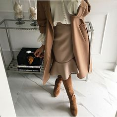 office outfits for ladies Chic Outfits, Spring Outfits, Fashion Outfits, Autumn Outfits, Fashion Pics, Office Outfits For Ladies, Chic Office Outfit, Office Chic, Beige Coat