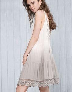 Vestido con degrado - Vestidos - Ropa - Mujer - PULL&BEAR España