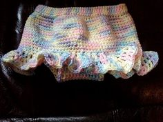 Free Crochet Diaper Cover Pattern - this is so cute,  Ill be making this as a gift... in a different color :)