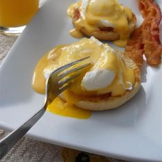 """Eggs Benedict 
