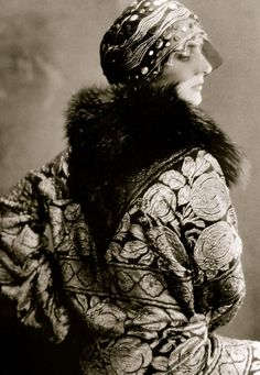 American VOGUE, early 20s...fashion by Paul Poiret.  When these pictures appeared in the magazine, Poiret's fashion star was already on the decline although he was instrumental in championing many trends that continued well into the 1920s including the fascination with all things exotic.