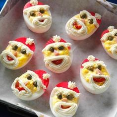 egg recipes Santa Deviled Eggs Recipe -I love creating special deviled eggs for parties. These little Santas are easier to make than they look, and everyone raves over them. Christmas Party Food, Christmas Appetizers, Christmas Cooking, Christmas Eve, Christmas Treats, Xmas, Holiday Dinner, Holiday Parties, Egg Recipes