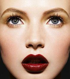 18 Ways to Wear Dark Lipstick This Fall | StyleCaster