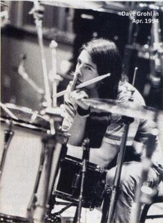 Drummer. Dave Grohl, 1994.