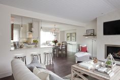 Love It or List It Vancouver: Donna & Rick's family room ...