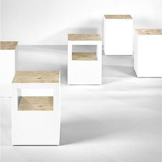 Bianca Modern Tall Display Cabinet With Lights In White Lacquer