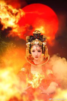 微博 Oriental Fashion, Oriental Style, Asian Woman, Asian Girl, Victoria Erickson, Asian Artwork, Exotic Art, Red Sun, Asian Cute