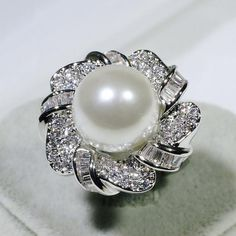 Women White Gold GF Fashion Jewelry Expensive-looking Luxury White Pearl Ring With Clear Gemstones Accent Size 10 Pearl Ring, Pearl Jewelry, Gemstone Jewelry, Vintage Jewelry, Jewlery, Pearl White, White Gold, Diamond Tops, Fashion Jewelry