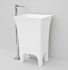 The.Artceram, Cow, design Meneghello Paolelli Associati. #Bathroom freestanding washbasin
