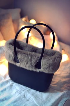 O Bag, create your own style by combining your choice of body, handles and accessories. Fashion Mark, Everything Designer, Fur Bag, Leather Bags Handmade, Beautiful Bags, Tote Handbags, Purses And Bags, Sneaker, Shoe Bag