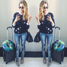Instagram media by reuchoam - E vamos ali na minha terra querida: Bahêaaaa!! Que saudade que eu estava! ✈️ Tricot @carinaduekbrand Calça @patpatsoficial para @gnemporio Slipper @arezzo ✌️ #reuchoaviaja #reuchoaemsalvador #airportstyle #airportlook