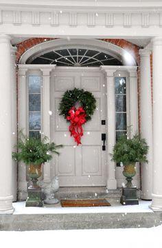 - CHRISTMAS Front Door