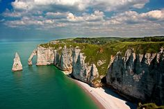 Étretat Cliffs .15 Best Things to Do and See in Normandy (France) #travel #love #takeasy