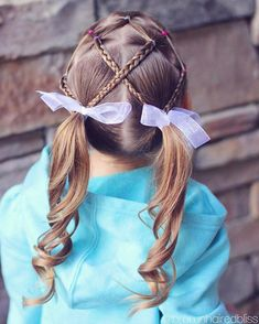 "1,447 curtidas, 11 comentários - ANGIE SMITH • HAIR TUTORIALS (@brownhairedbliss) no Instagram: ""Elastics on top with braids crossed into pigtails on little sis. Her hair looks so long in this…"""