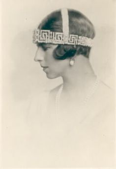 This image of Princess Helen of Romania shows what a large piece the greek key tiara was, especially when worn with additional 'cross head bands'. Images Of Princess, Princess Of, Grand Duchess Olga, Vintage Headpiece, Royal Jewels, Girls Dream, Diamond Are A Girls Best Friend, Timeless Classic, Headgear