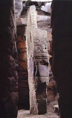 Chavín de Huántar Lanzon. Northern highlands, Peru. Chavín. 900–200 B.C.E. Note: info on the site this photo comes from has been copied from other sources without citing them. Boo!