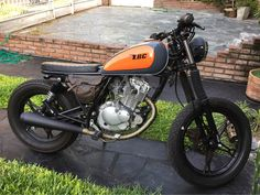 Discover many of my well liked builds - custom scrambler motorcycles like this Suzuki Cafe Racer, Cafe Racer Build, Cafe Racer Bikes, Cafe Racer Motorcycle, Motorcycle Design, Motorcycle Style, Tracker Motorcycle, Estilo Cafe Racer, Brat Cafe