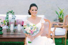 Beleza criada por Anna Paula Ganter. O casamento de Tatiane e Humberto foi publicado no Euamocasamento.com e as fotos são de Carol Bustorff. #euamocasamento #NoivasRio