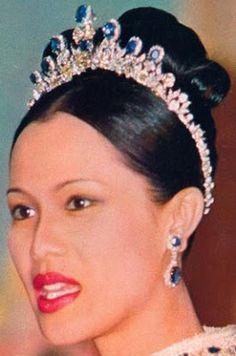Queen Sirikit of Thailand's Diamond Tiara with the interchangeable sapphires