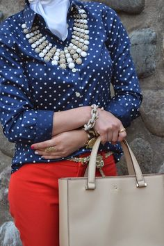 كيفية تنسيق اللون الأحمر مع الحجاب بدون مبالغة | ايف ارابيا Michael Kors Ring, Kate Spade Necklace, Banana Republic Bags, Red White Blue, Polka Dot Top, Ray Bans, Skirts, Red Chevron, Outfits