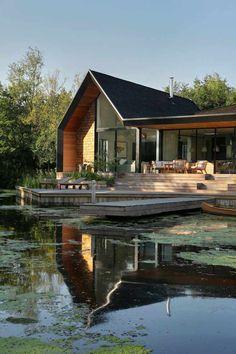 maison renovee bardage bois toit pente lac  #modern #architecture #maison