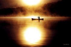 Burning Canoe – Ontario, Canada (Photo: Robin B. Beautiful World, Beautiful Places, Stunningly Beautiful, Beautiful Moments, Beautiful Pictures, Canoa Kayak, Canoe And Kayak, Guilin, The Great Outdoors