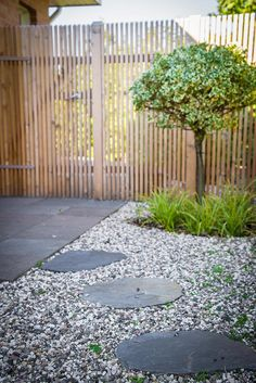 64 Ideas landscaping front yard bushes walkways for 2019 Gravel Landscaping, Backyard House, Outdoor Spaces, Outdoor Decor, Pergola Designs, The Great Outdoors, Plank, Outdoor Gardens, Fence