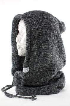 New verse hooded cowl. It's a handmade hood and neckwarmer in one. Crochet Hooded Scarf, Hooded Cowl, Crochet Scarves, Woolen Craft, Snowboarding Style, Mobile Boutique, Mens Trends, Cowl Scarf, Loom Knitting