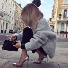 https://www.instagram.com/p/BNskGb3B2Ee/?taken-by=fashforfashion_insta