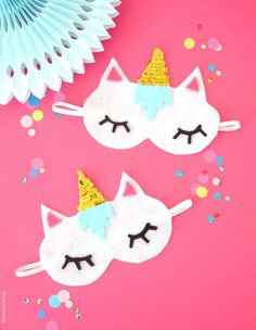 No-Sew DIY Unicorn Sleeping Masks with Free Template - learn to craft these cute, easy party favors or gifts for your guests unicorn birthday party!