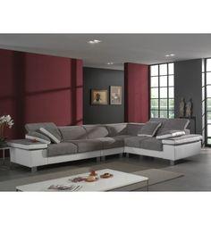 Voici un joli duo de couleurs et de graphismes pour ce canapé offrant une large assise ! Ses lignes épurées sont contemporaines. Il offre en plus des accoudo...