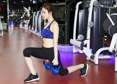 Nguồn cảm hứng sức khỏe mạnh mẽ từ thời trang phòng gym của sao Việt và thế giới