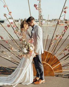 Great backdrop for an evening wedding! - Modern Great backdrop for an evening wedding! Wedding Picture Poses, Wedding Pictures, Trendy Wedding, Boho Wedding, Wedding Flowers, Wedding Cake, Wedding Rings, Glamorous Wedding, Dream Wedding