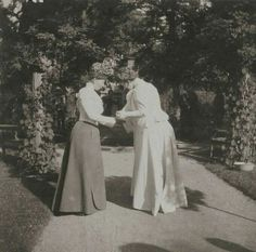 Amateur photos of Nicholas II and the Royal family Princess Alexandra, Princess Beatrice, Princess Victoria, Queen Victoria, Germany And Prussia, Royal Blood, Imperial Russia, Victorian Women, Pictures To Paint