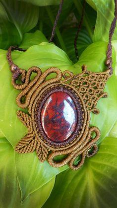 Macrame necklace with jasper gemstone. Tribal di AbstractikaCrafts, £30.00