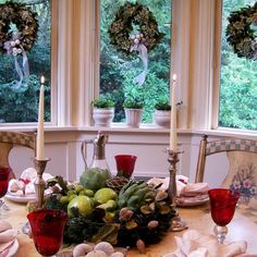 25+ Gorgeous Holiday Table Settings