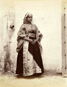 Jewish woman from Tangier - 19th century