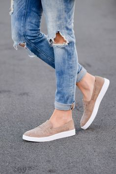 blanknyc good vibes jeans target taupe slip on sneakers spring fashion 2017 f - nukyar. Sneakers Outfit Casual, Sneakers Fashion Outfits, Fashion Shoes, Target, Trendy Womens Sneakers, Fashion Models, Spring Fashion 2017, Slip On Sneakers, Sport
