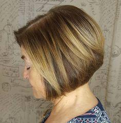 Over Stacked Honey Blonde Bob Inverted Bob Hairstyles, Short Bob Haircuts, Cool Haircuts, Latest Hairstyles, Short Hairstyles For Women, Cool Hairstyles, 2018 Haircuts, Hairstyle Hacks, Blonde Hairstyles